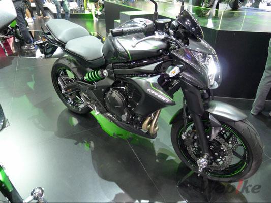 Kawasaki-ER-6n-1