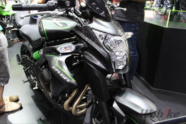 Kawasaki-ER-6n-3