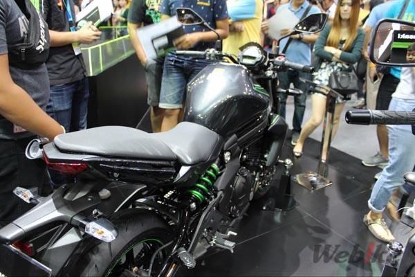 Kawasaki-ER-6n-4