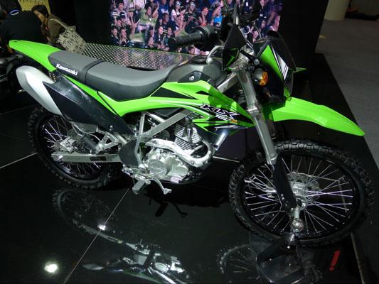 Kawasaki-KLX150-2