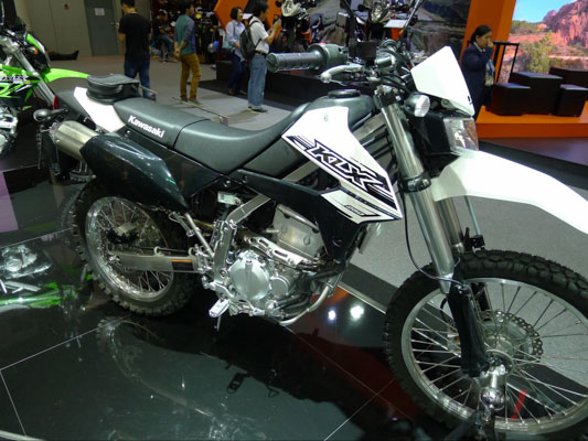 Kawasaki-KLX250-1