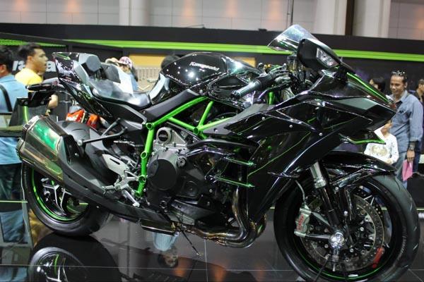 Kawasaki-Ninja-H2-3