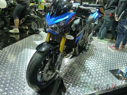 Kawasaki-Z800-2