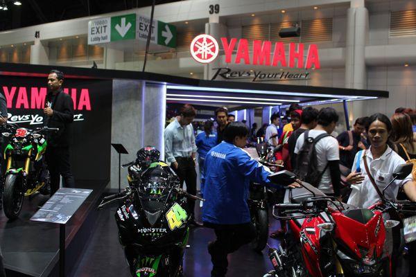 Yamaha booth motor expo 2015