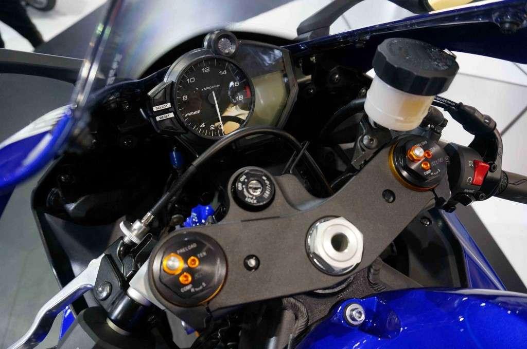 Yamaha YZF-R6 (14)