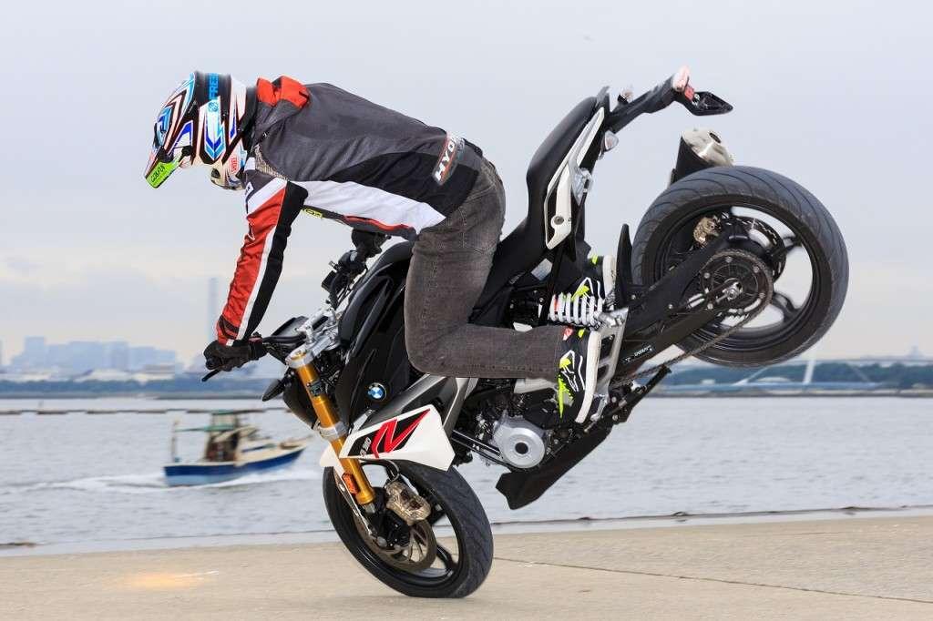 Stunt_BMWG310R_02