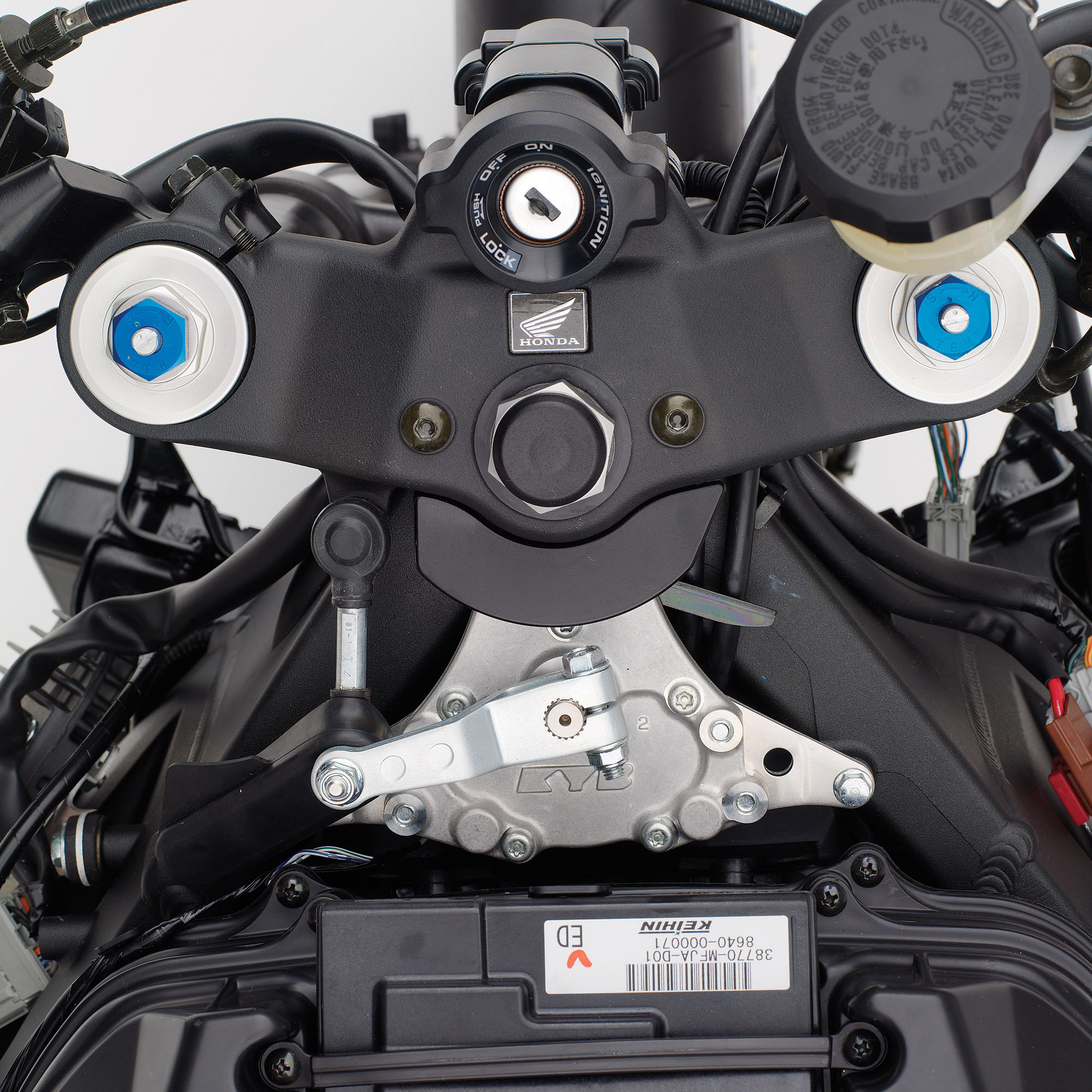 2016-honda-cbr-cbr600rr-sport-bike-motorcycle-supersport-600-rr-cbr-600rr-frame-engine-suspension-exhaust-10