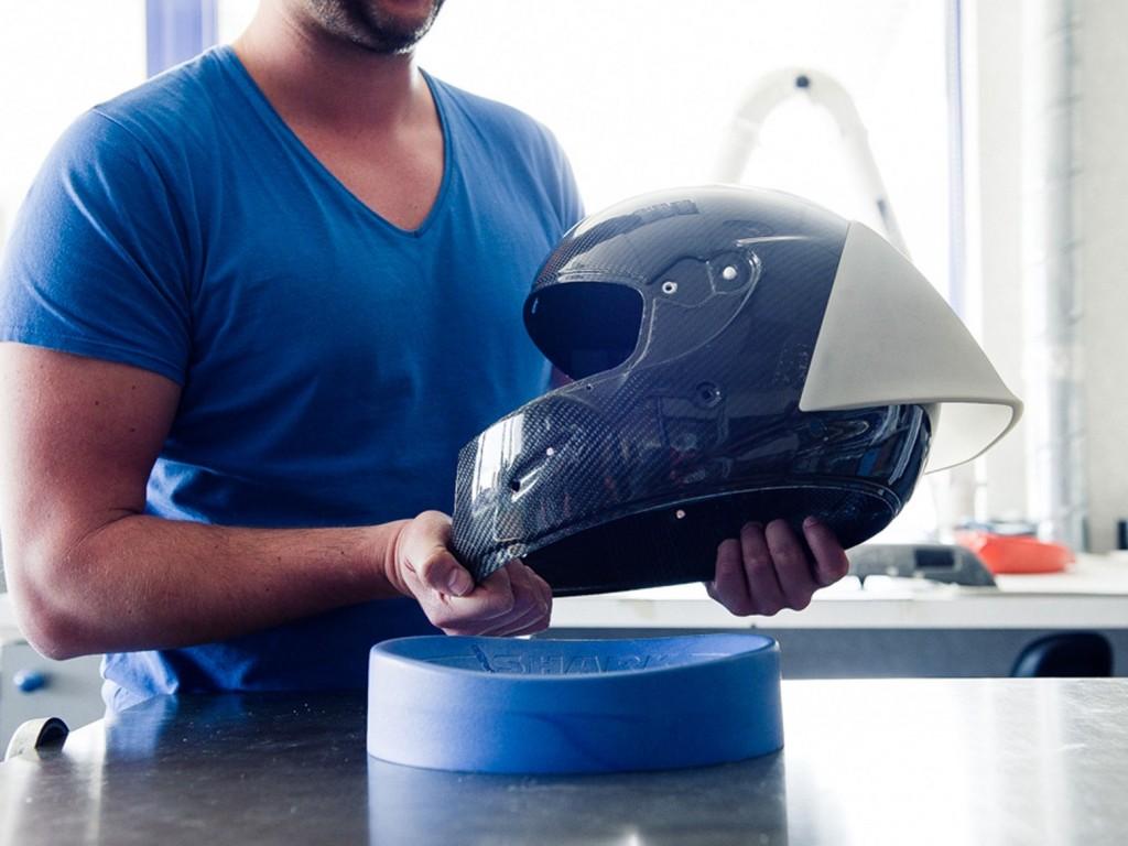 SHARK_helmet