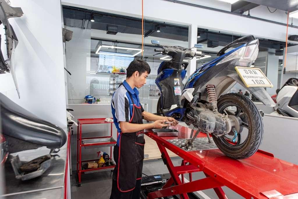 10 Pic Yamaha Premiun Service