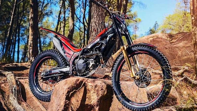 2018-honda-montesa-300rr-trail-bike-04
