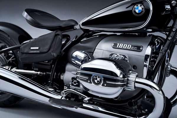 2020-BMW-R-18-59