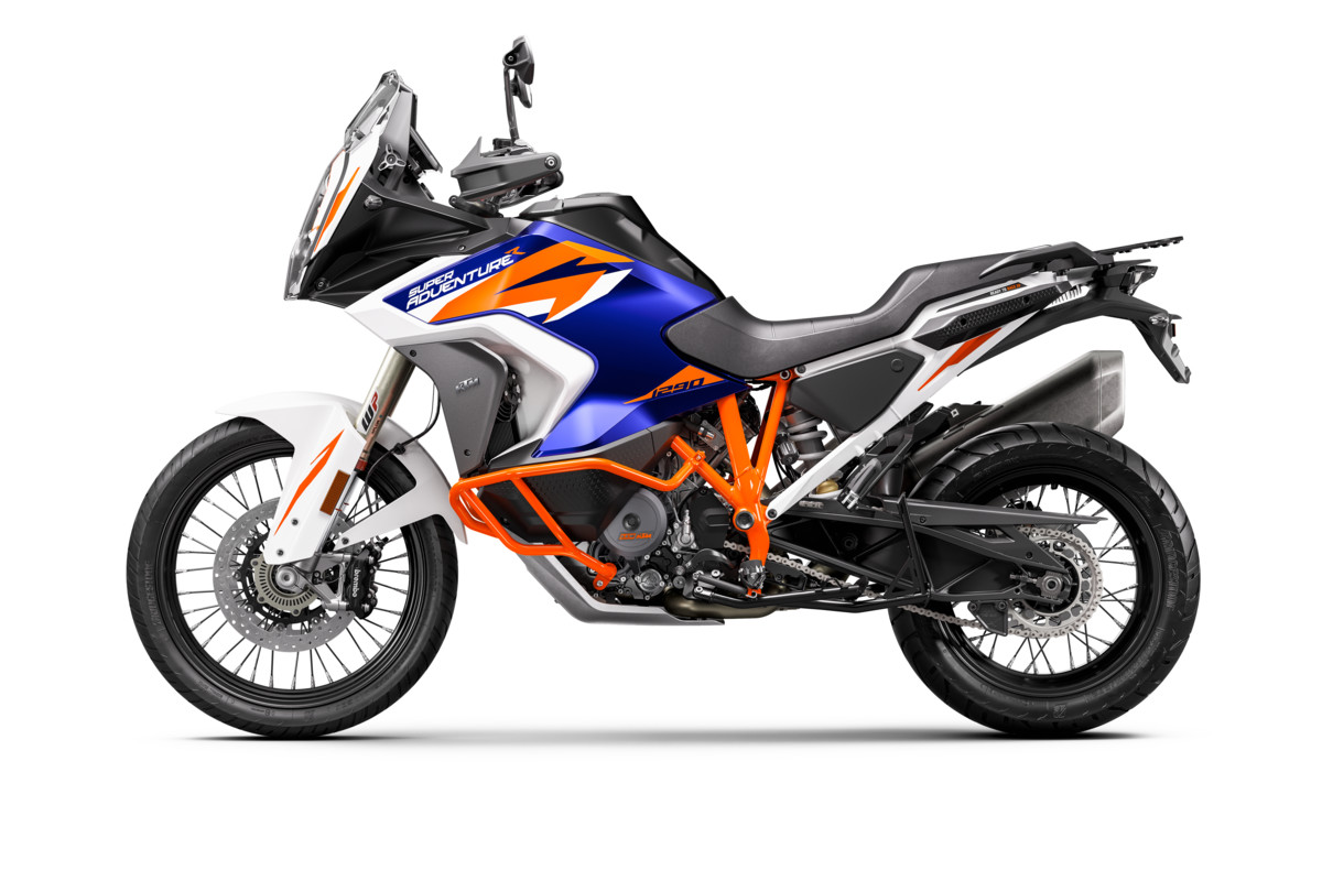 KTM-1290-SUPER-ADVENTURE-R_Studio_left