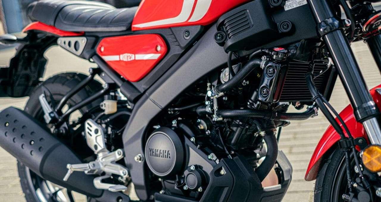 2021-Yamaha-XS125-EU-Detail-001-03
