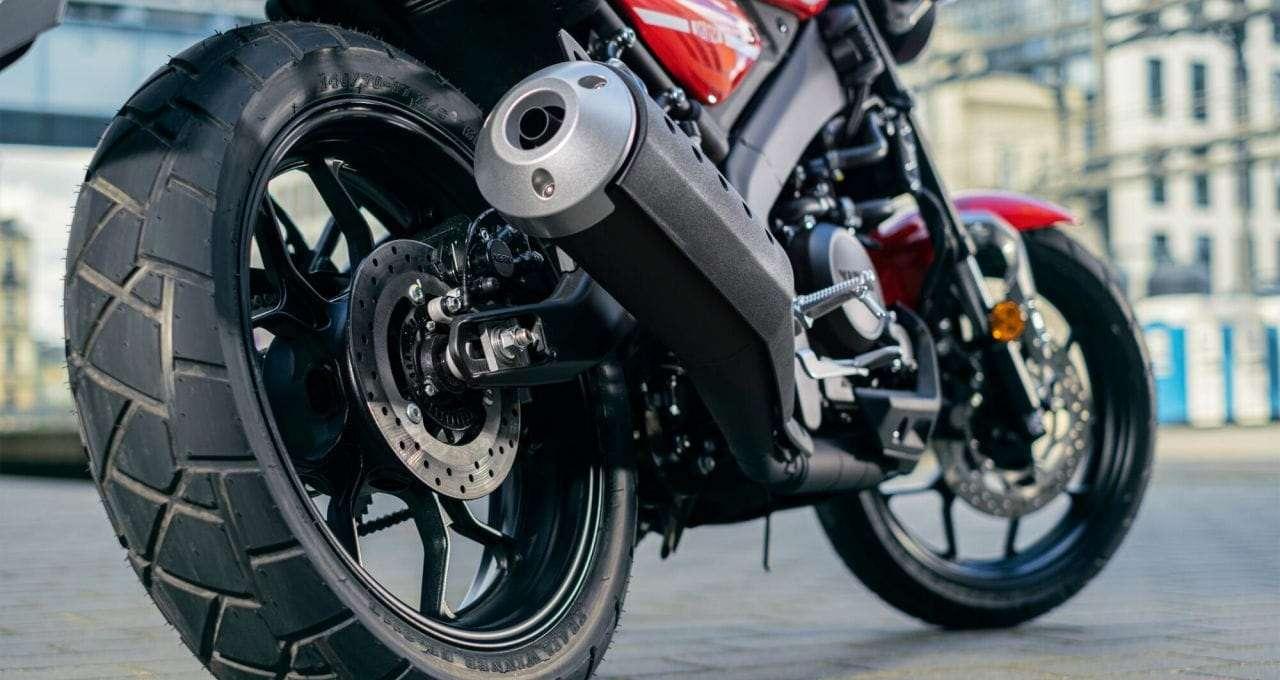2021-Yamaha-XS125-EU-Detail-004-03