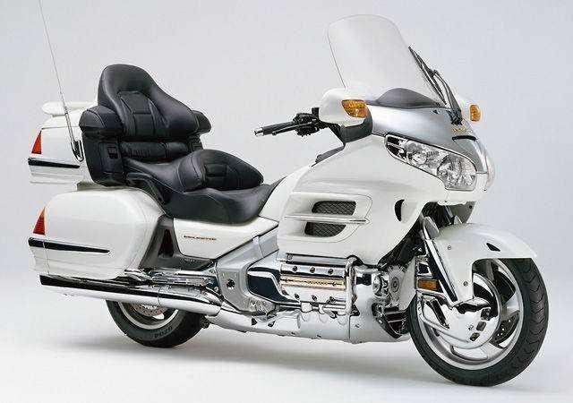 10_GL1800_Honda_Goldwing