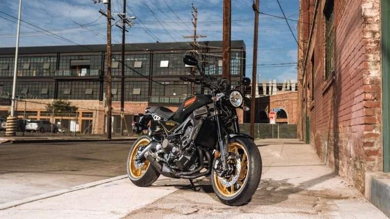 2020-Yamaha-XS850-EU-80_Black-Static-002-03-e1623733428152
