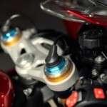 Speed-Triple-1200-RR_MY22_Detail_11_ML-768x512-1-300x200
